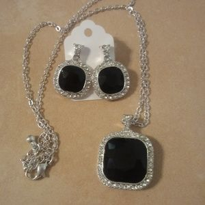 Black Stone Rhinestone Accents Necklace Earrings